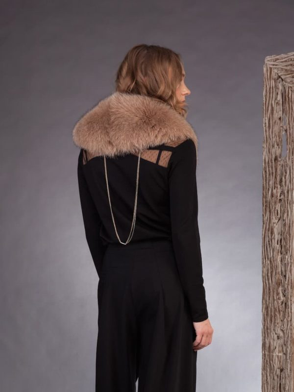 Medium length beige fox fur collar by NordFur