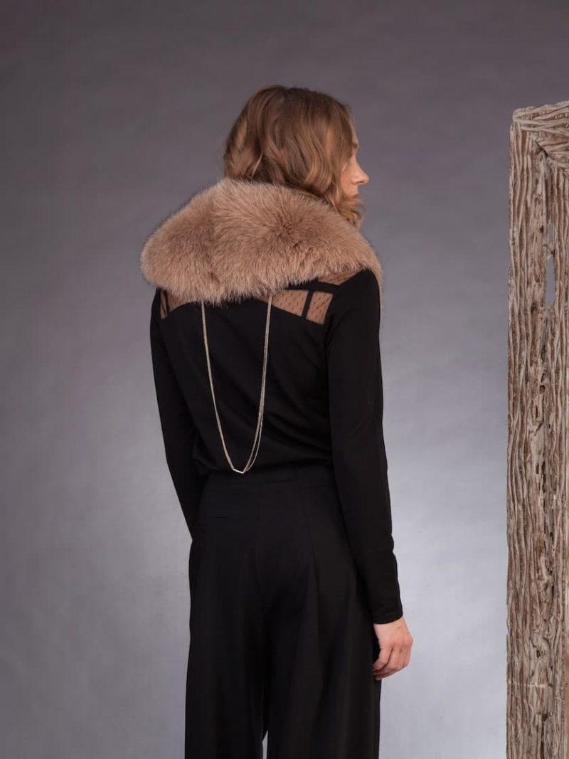 Medium length beige fox fur collar by NordFur