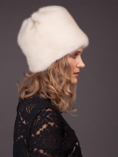 Pearl mink fur hat flower