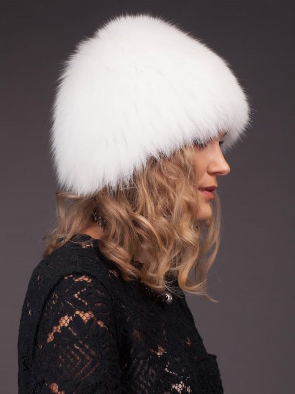 Knitted, stretchy white fox fur hat