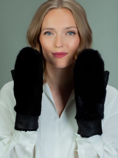 black merino sheepskin mittens with mink fur decoration