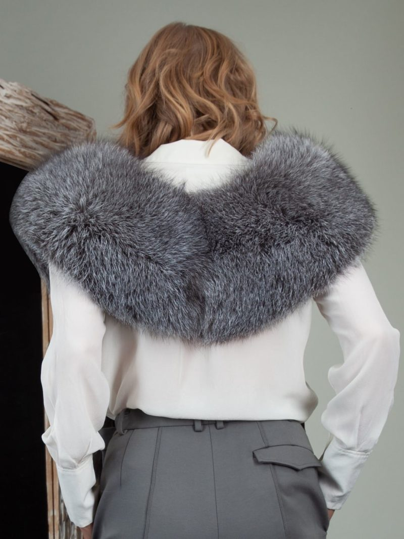 keyhole long natural silver fox fur collar boa