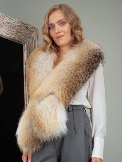 keyhole natural island fox fur wide collar wrap