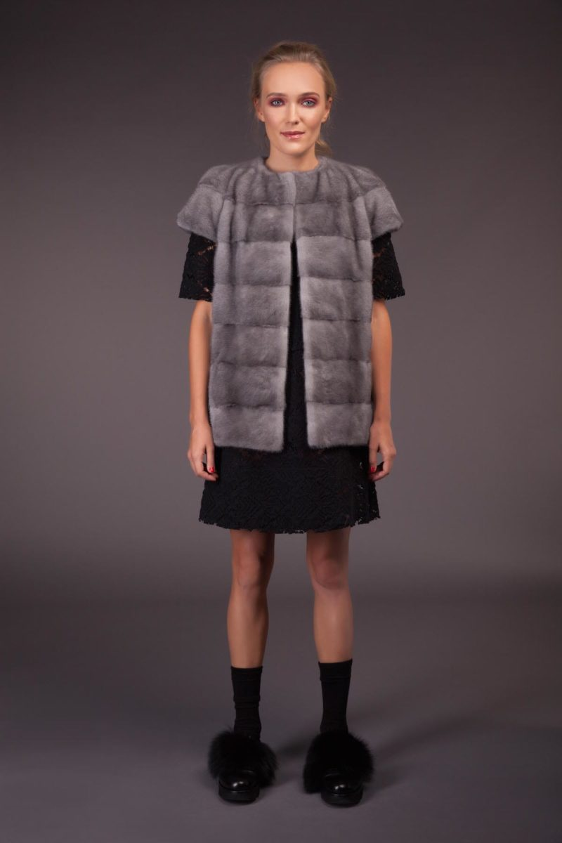 short natural horizontal sapphire mink fur vest with plat collar