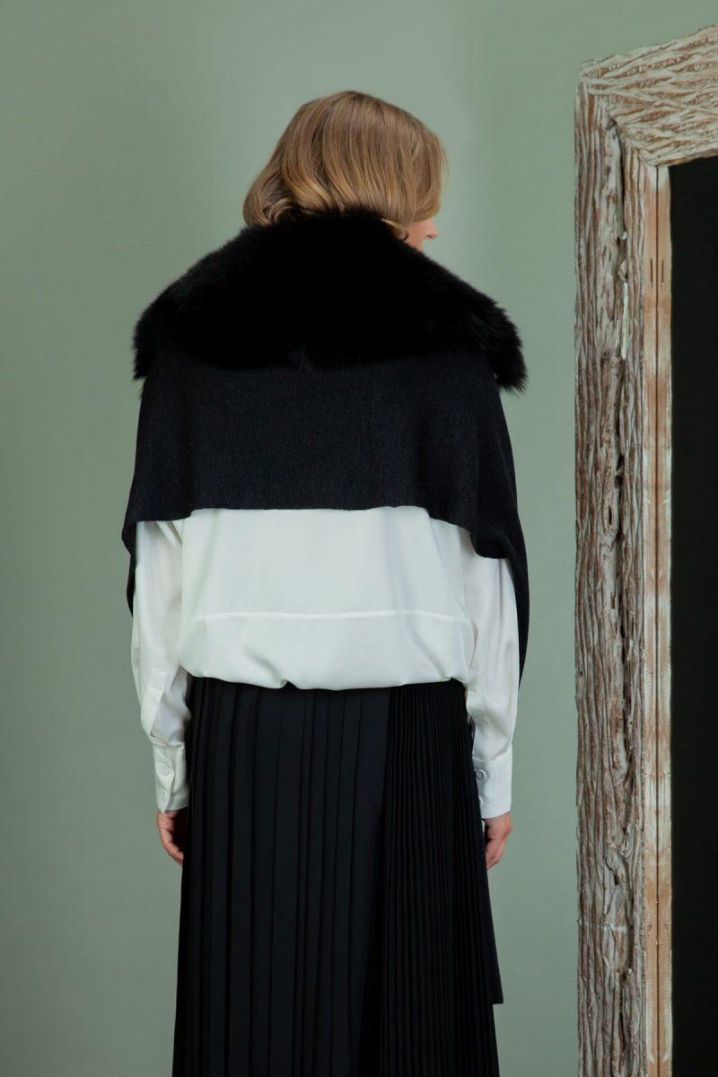 black baby merino wool shawl with detachable fox fur collar
