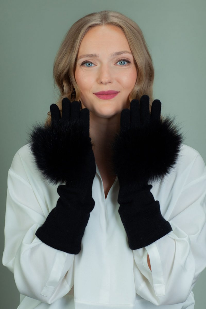 black cashmere wool gloves with fox fur decoration