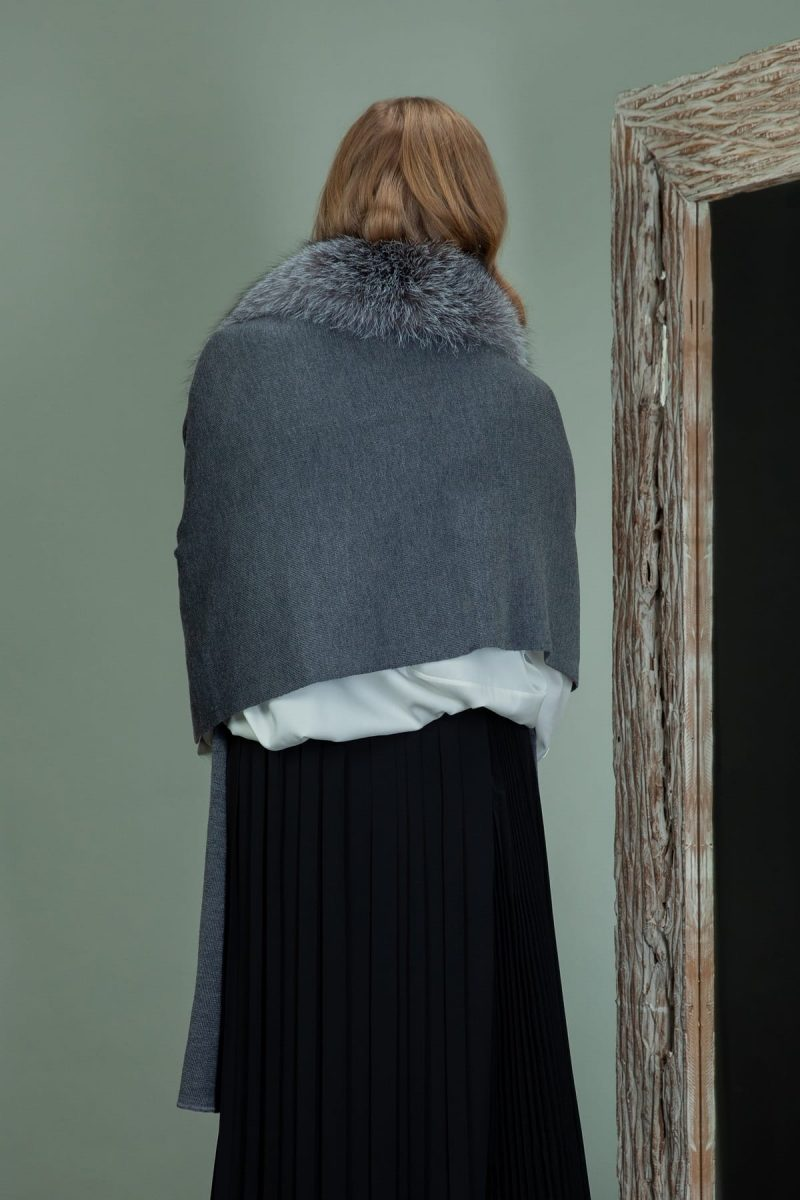 gray baby merino wool scarf with detachable silver fox fur collar
