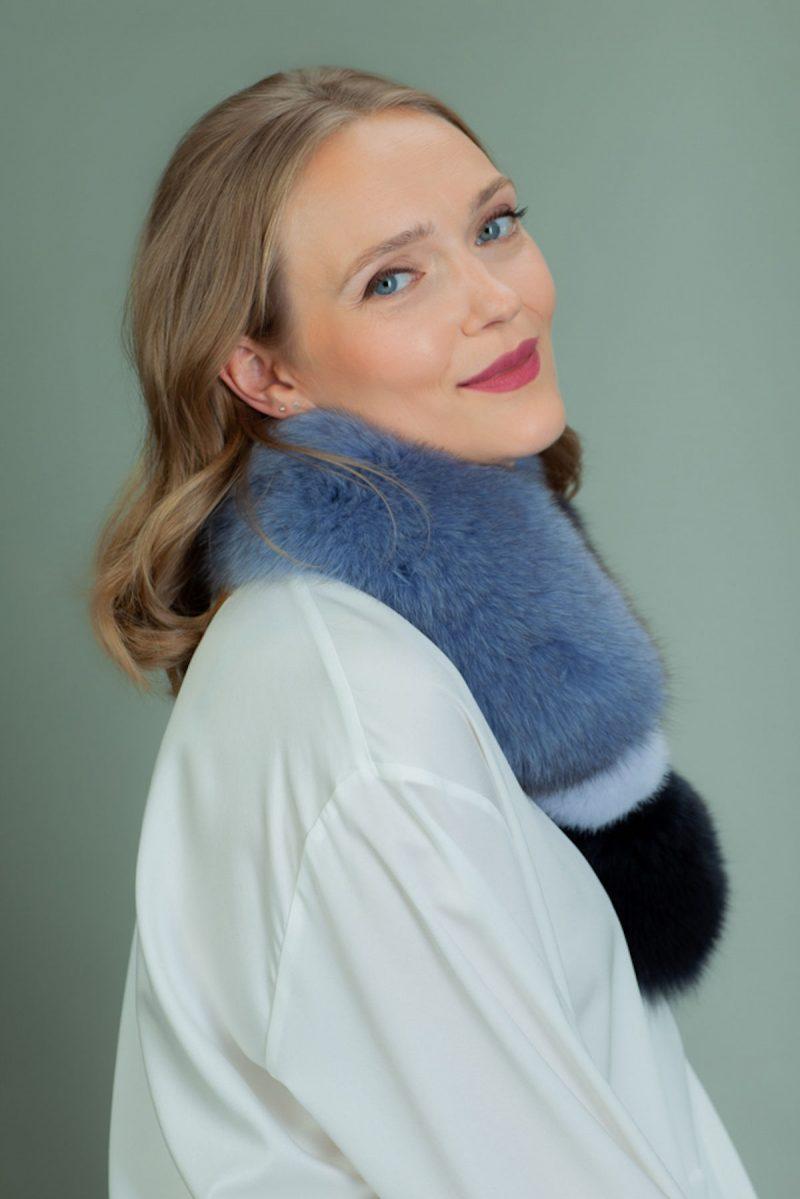 keyhole blue fox fur scarf