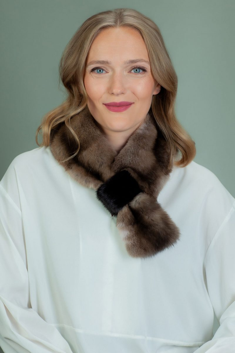 keyhole brown sable fur scarf